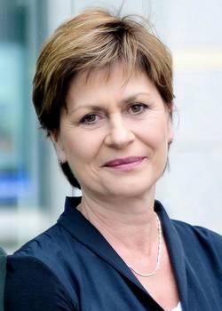 Dr. med. Kerstin Pirlich, Fachärztin für Innere Medizin, Diabetologie, Physikalische Therapie, Hausärztin